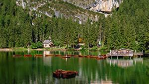 Bilder Italien Berg See Boot Kirche Lake Braies