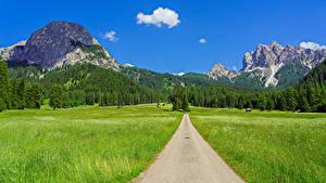 Fotos Italien Gebirge Straße Felder Landschaftsfotografie Alpen Trentino-Alto Adige