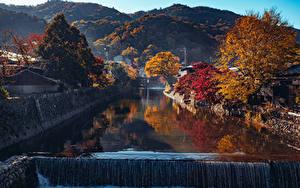 Hintergrundbilder Japan Kyōto Herbst Berg Wasserfall Kanal Bäume Arashiyama