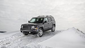 Fotos Jeep Winter Schnee SUV Graues Patriot Latitude, 2015 Autos