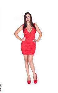 Hintergrundbilder Jelena Jensen iStripper Weißer hintergrund Brünette Kleid Dekolleté Rot Hand Bein Stöckelschuh junge frau
