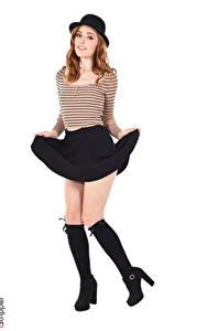 Bilder Jia Lissa iStripper Weißer hintergrund Braunhaarige Der Hut Posiert Hand Rock Bein Long Socken junge frau