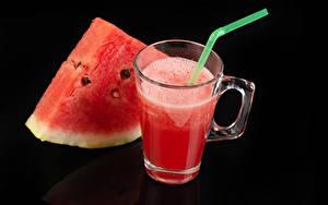 Hintergrundbilder Saft Wassermelonen Schwarzer Hintergrund Becher Stücke
