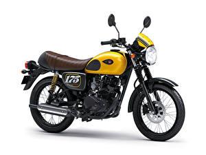 Bilder Kawasaki Weißer hintergrund Seitlich 2019 W175 Cafe Motorrad