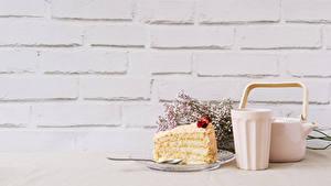 Hintergrundbilder Wasserkessel Torte Wände Trinkglas Stück das Essen