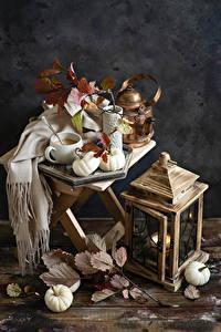 Bilder Flötenkessel Kerzen Kürbisse Stillleben Bretter Tasse Ast das Essen