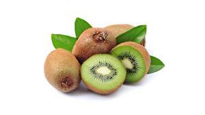 Bureaubladachtergronden Kiwi (fruit) Close-up Witte achtergrond spijs