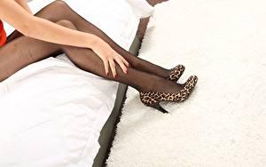 Bilder Bein Hand High Heels Strumpfhose junge frau