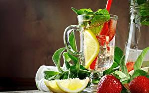 Bilder Limonade Zitrone Erdbeeren Tasse Minzen Lebensmittel