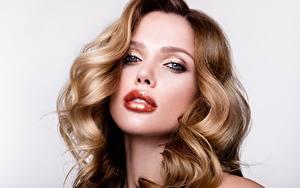 Fotos Lippe Schminke Gesicht Starren Haar Model Frisuren junge frau