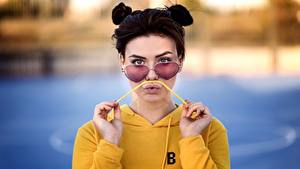 Hintergrundbilder Lippe Starren Brille Bokeh Paula Mädchens