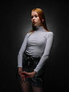 Bilder Pose Rotschopf Hand Blick Lisa, Nikolay Bobrovsky junge Frauen
