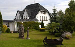 Fotos Litauen Haus Skulpturen Fichten Kretinga