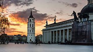 Bilder Litauen Tempel Denkmal Abend Vilnius Kathedrale Platz Cathedral Square Städte