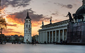 Bilder Litauen Tempel Denkmal Abend Vilnius Kathedrale Platz Cathedral Square
