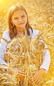 Hintergrundbilder Kleine Mädchen Starren Ähre Kinder