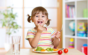 Hintergrundbilder Kleine Mädchen Glücklicher Hand Kinder