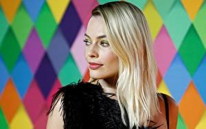 Bilder Margot Robbie Bokeh Blond Mädchen Haar Prominente Mädchens
