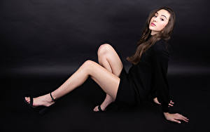 Bilder Posiert Bein Kleid Blick Marie-Soleil Ethier Mädchens