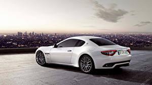 Bilder Maserati Weiß Metallisch Coupe  Autos