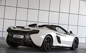 Bakgrundsbilder på skrivbordet McLaren Tuning Vit Metallisk Bakifrån 2015 650S Spider Al Sahara 79 by MSO Bilar