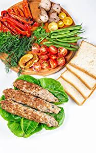 Bilder Fleischwaren Brot Gemüse Dill Paprika Tomaten Weißer hintergrund Schneidebrett Kebab