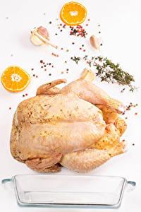 Bilder Fleischwaren Knoblauch Zitronen Schwarzer Pfeffer Hühnerfleisch Weißer hintergrund das Essen