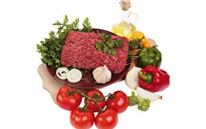 Hintergrundbilder Fleischwaren Knoblauch Tomate Zwiebel Paprika Öle Weißer hintergrund minced meat