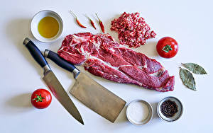 Desktop wallpapers Meat products Knife Black pepper Chili pepper Tomatoes Spices Gray background Salt Food