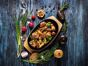 Fotos Fleischwaren Messer Radieschen Dill Brot Schwarzer Pfeffer Bretter Essgabel Dubbeglas das Essen