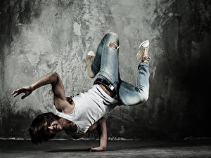 Fotos Mann Tanz Hand Unterhemd