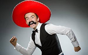 Hintergrundbilder Mann Grauer Hintergrund Glückliches Schnurrbart Der Hut Hand Sombrero