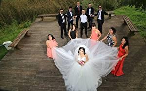 Bilder Mann Hochzeit Brautpaar Kleid Brünette Glücklich