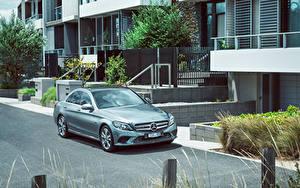 Bilder Mercedes-Benz 2019-20 C 300 e Avantgarde Line