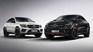 Bilder Mercedes-Benz Grauer Hintergrund 2 Crossover Schwarz Weiß GLE 350 d 4MATIC, Coupe, OrangeArt Edition, 2017 automobil