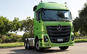 Fotos Mercedes-Benz Lastkraftwagen Vorne Grün Actros 2651, 2015