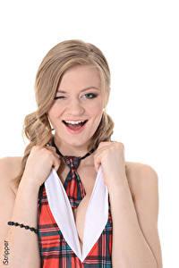 Hintergrundbilder Merry Pie iStripper Weißer hintergrund Dunkelbraun Starren Lächeln Hand Krawatte junge frau