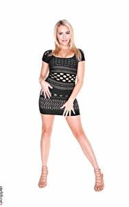 Bilder Mia Malkova iStripper Weißer hintergrund Blondine Kleid Hand Bein High Heels
