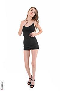Fotos Mila Azul iStripper Weißer hintergrund Braunhaarige Kleid Hand Bein High Heels junge frau