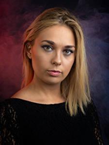 Hintergrundbilder Gesicht Blondine Starren Schminke Milly Jean junge frau
