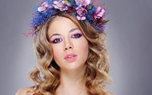 Hintergrundbilder Model Schöne Schminke Haar Kranz Starren Frisuren Mädchens