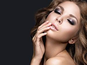 Bilder Model Gesicht Make Up Schöne junge Frauen