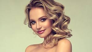 Fotos Model Frisur Lächeln Blick Schön junge Frauen
