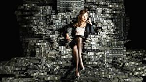 Bilder Geld Viel Dollars Banknoten Sitzend Bein Jessica Chastain, Molly's Game Film Mädchens