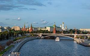 Hintergrundbilder Moskau Russland Fluss Brücke Binnenschiff Moskauer Kreml Moscow-river Städte