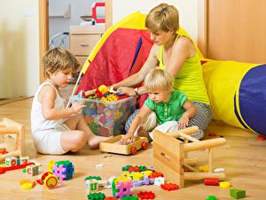 Fotos Mutter Spielzeug Kleine Mädchen Jungen