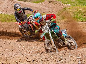 Bilder Motocross Motorradfahrer Zwei Bewegung Helm Motorräder