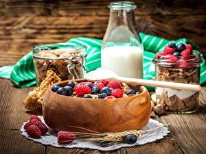 Bilder Müsli Milch Beere Himbeeren Frühstück Ähre Flaschen Lebensmittel
