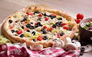 Fotos Pilze Pizza Tomaten Oliven Fast food