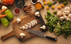Fotos Pilze Gemüse Gewürze Zimt Peperone Messer Schneidebrett